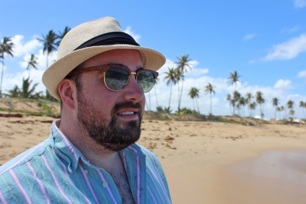 men's beach style with hat and wood sunglasses
