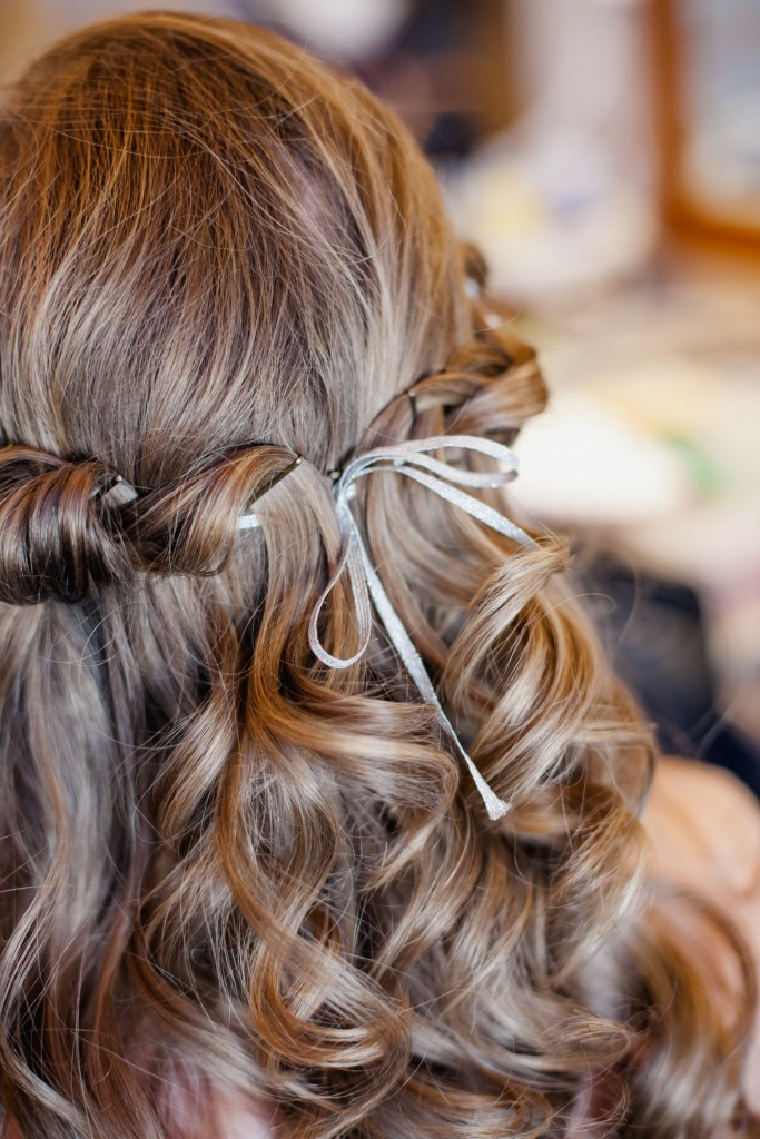 Wedding hair. This is how to attach a headpiece.
