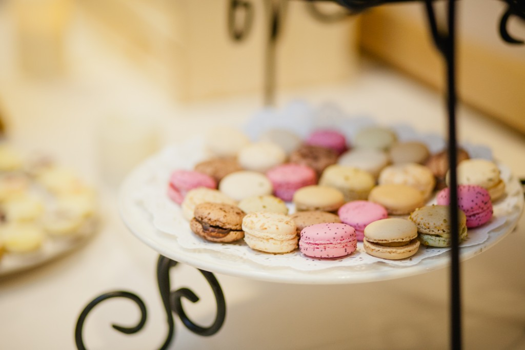 Macaroons on the wedding dessert table