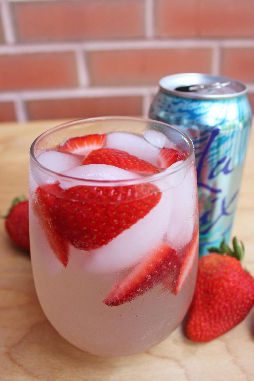 Strawberry Rhubarb Spritzer