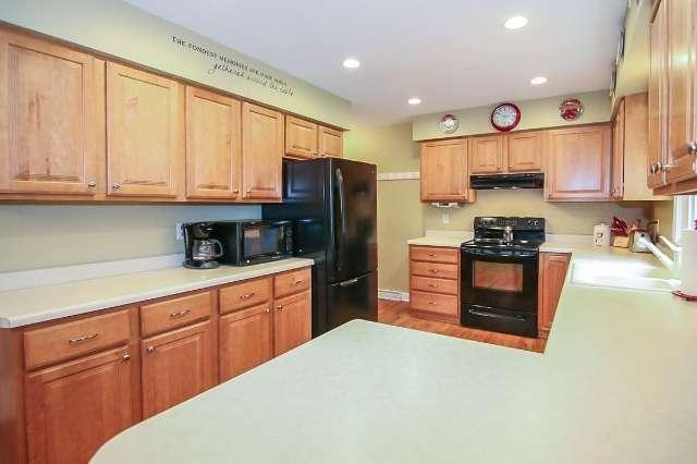Kitchen Before Photos | lumberloveslace.com