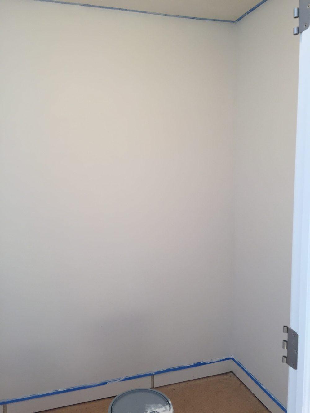 Painting Closet White   Melissa Lynch   melissalynch.com