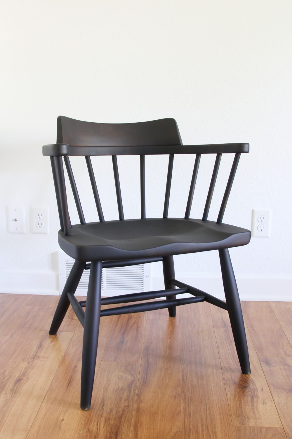 Painting spindle dining chairs black | Lumber Loves Lace | lumberloveslace.com